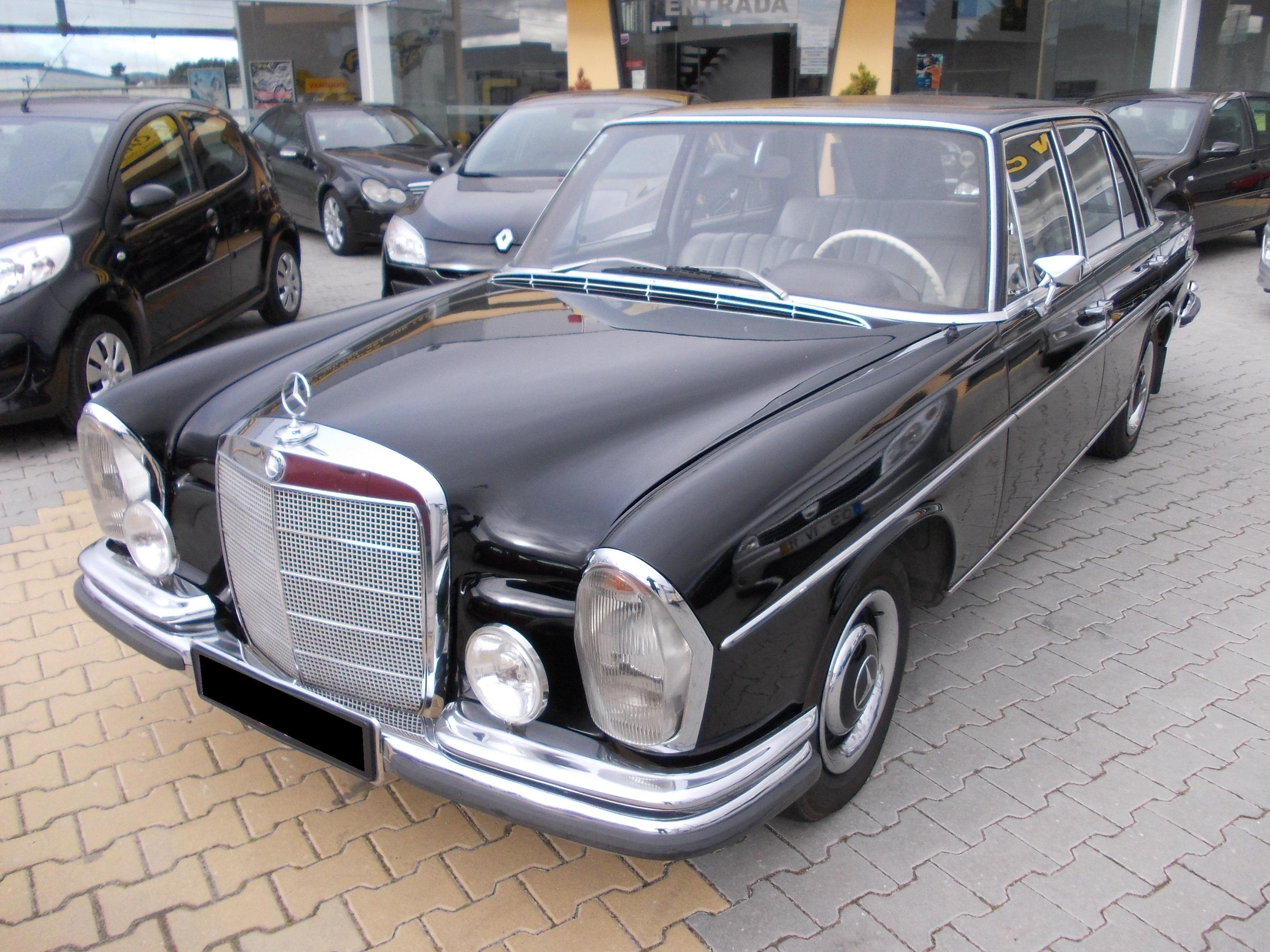 MERCEDES-BENZ 250 SE